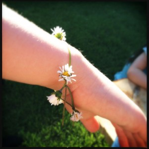 How to make a daisy chain
